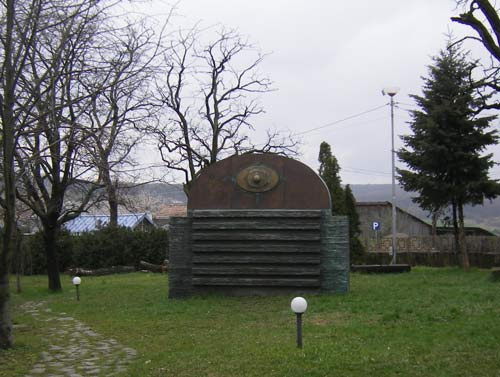 Monument - Ipotesti - Eminescu