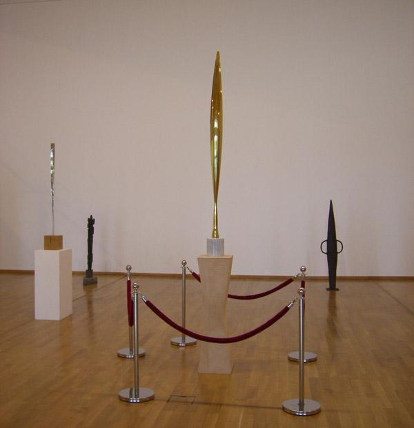 pasarea in spatiu - constantin brancusi - expo padurea de sculpturi