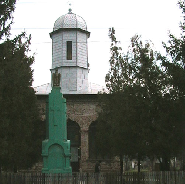 Biserica ortodoxa cu hramul Sfintilor Arhangheli Mihail si Gavril