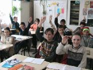 Copiii din Raca la scoala