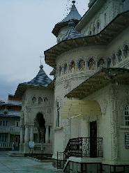 Biserica pe stil vechi
