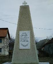 Brusturi-NT, Monumentul eroilor